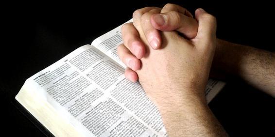 Duchovné sprevádzanie dieťaťa: 7 tipov ako urobiť zo Svätého Písma každodenný chlieb